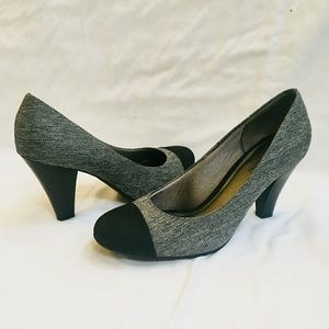 Naturalizer Grey & Black Heels Size 9